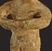 Thronende Frauenfigur; Bild 1