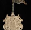 Steinschnitt-Garnitur aus bituminösem Kalk; Bild 3