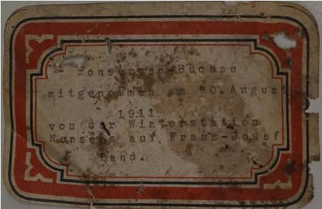 """Etikett zu Teedose aus dem Winterlager der """"Fram Expedition"""" von Fridtjof Nansen, 1893 -1896; Foto: NHM Wien"""