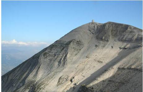 Gipfel des Tomorr in Albanien. Hier leben 5 Unterarten von Montenegrina tomorosi; Foto: Z. Féher