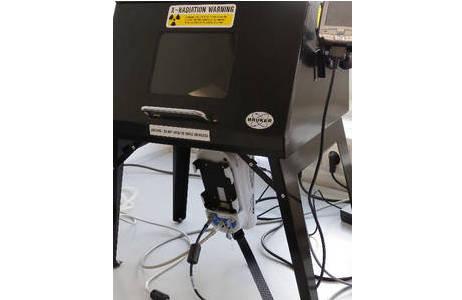 Röntgenfluoreszenz-Handspektrometer (Bruker Tracer IV SD) mit Siliziumdriftdetektor (SDD); Foto: G. Giester, Institut für Mineralogie und Kristallographie, Universität Wien