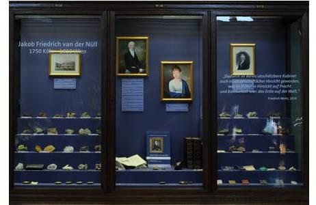 Themenschau: Jakob Friedrich van der Nüll, Saal IV, Wandvitrinen 186 - 188; Foto: A. Schumacher, NHM Wien