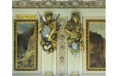 3.Karyatiden aus dem Saal IV, Eisen und Blei mit Planetensymbolen von R. Weyr; Foto: A. Schumacher, NHM Wien