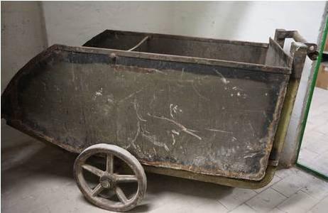 """Kohlenwagen oder """"Kohlenhunt""""; Foto: NHM Wien, Archiv für Wissenschaftsgeschichte"""