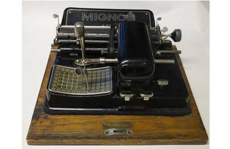 AEG Mignon 4 – Zeigerschreibmaschine, 1924 - 1933; Foto: NHM Wien, Archiv für Wissenschaftsgeschichte